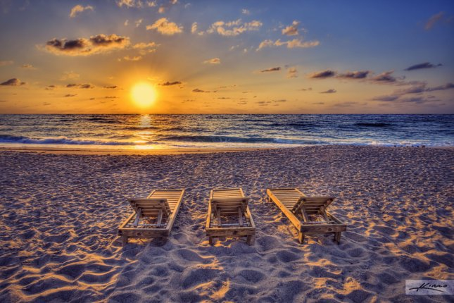 sunrise-beach-chairs-palm-beach-shores-florida