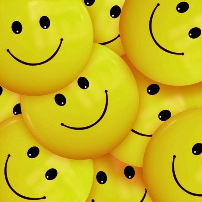 standard-cute-yellow-smiley-pictures