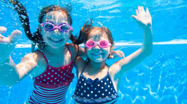 Young Girls-swimming-800x445